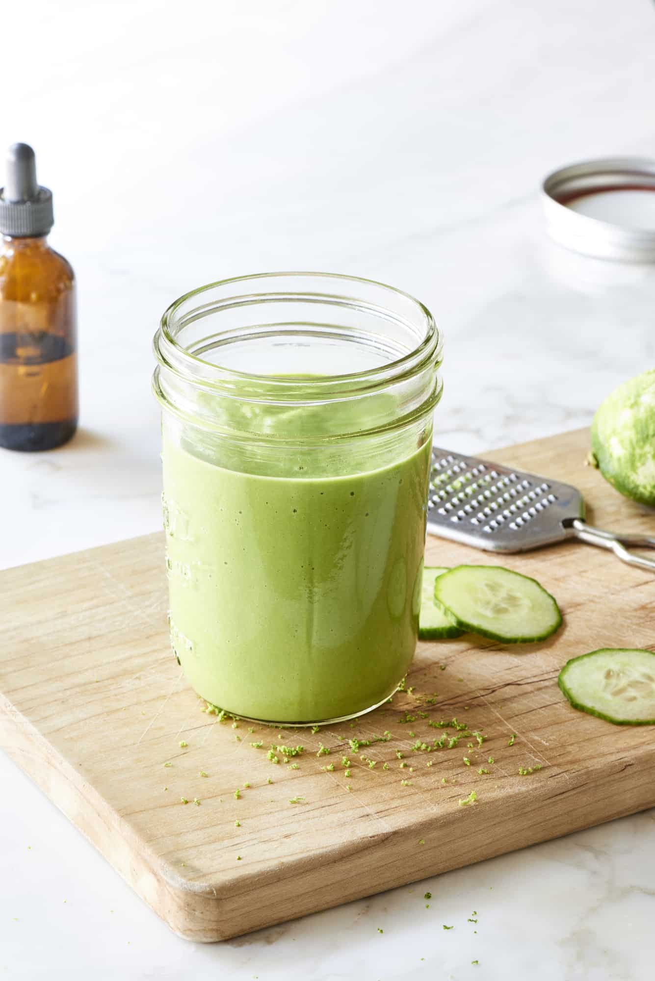 Lime Alkaline Glowing Green Smoothie - The Blender Girl